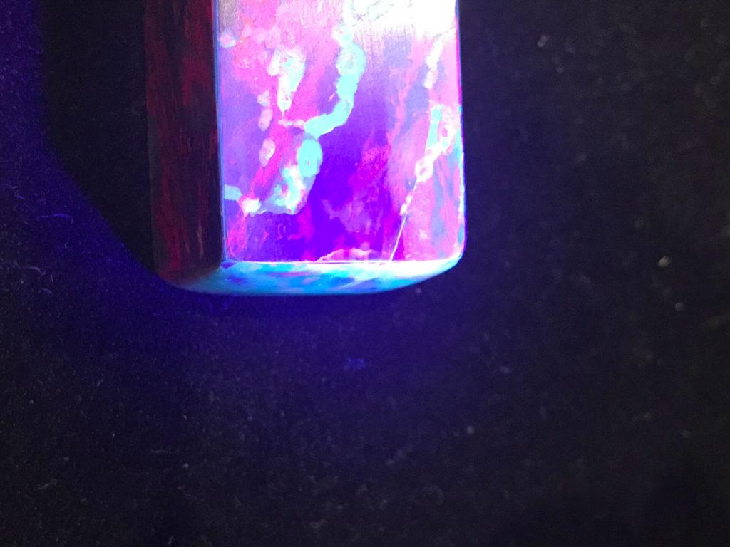 假雞血石-貼皮紫外線-(3)